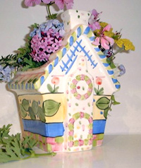 The French Cottage Vase - A Porcelain Flower Vase from Cottages and Gardens