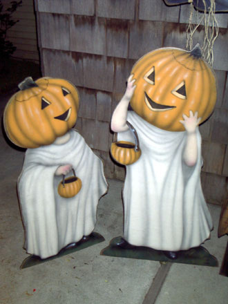 Trick or Treaters - A Halloween Decoration & Diplay from Cottages and Gardens